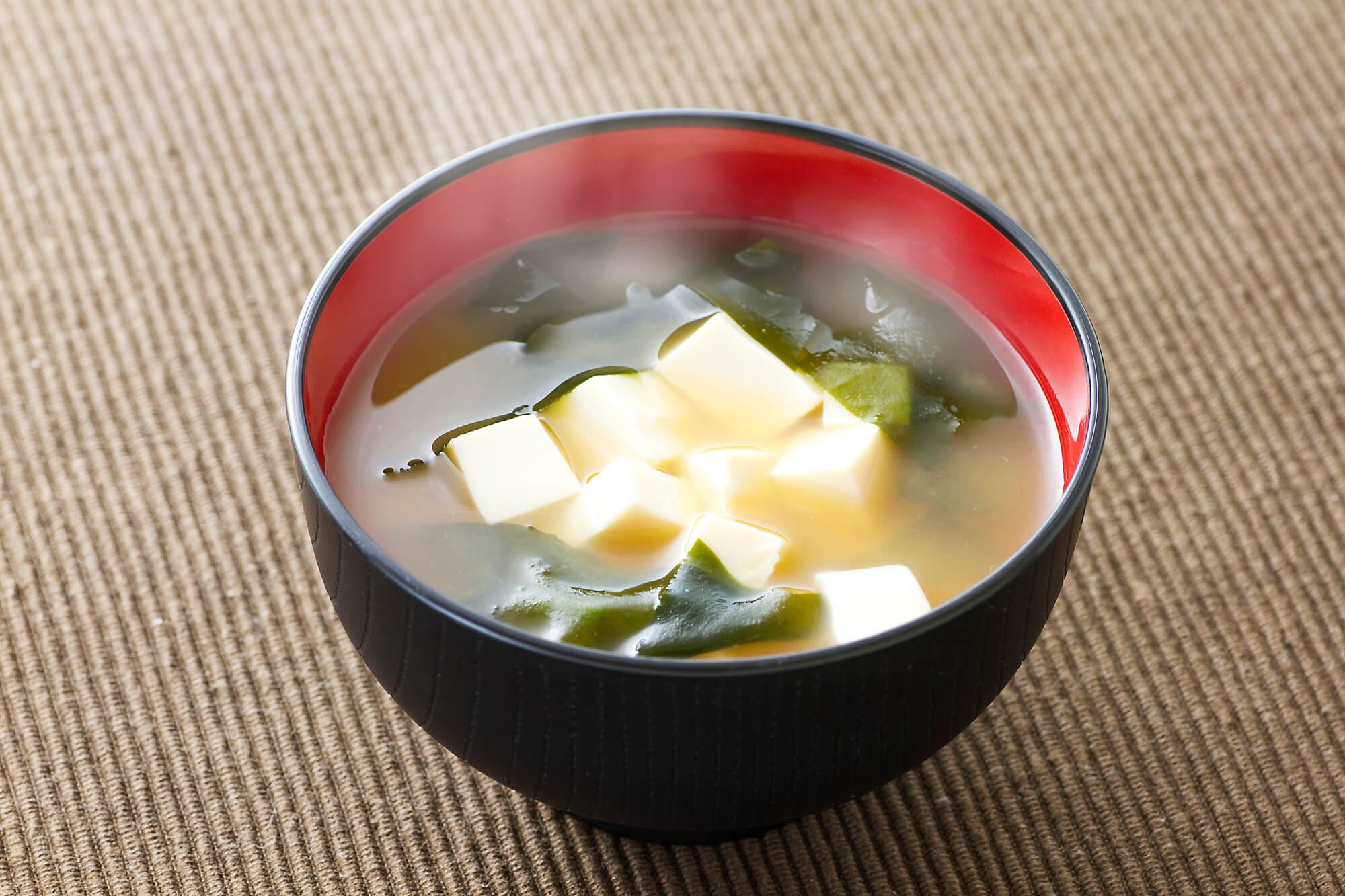 温かい味噌汁