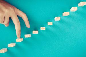 ステップと移動する指先